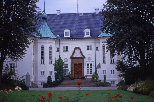 "328DK Schloss Marselisborg • <a style=""font-size:0.8em;"" href=""http://www.flickr.com/photos/69570948@N04/15274447151/"" target=""_blank"">View on Flickr</a>"