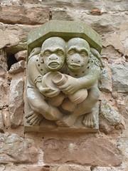Two ..... monkeys? (Ivan) Tags: statue decoration rufford abbey monkey