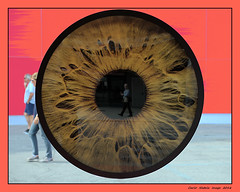 The eye sees (cienne45) Tags: occhio rotondo cerchio disco eye people