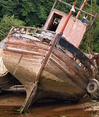 Confidences de Corto (L A N I K) Tags: epave bretagne coque bateau