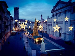 It's Christmas time! [explored Nov 24, 2016 #264] (cptstrazza) Tags: natale urban city bassano bassanodelgrappa veneto piazza explored square light lights christmas blue night italia italy iphone