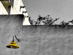 Yellow lamp (Lens_sky05) Tags: perspective colorsplash bw blankwall lamp yellow