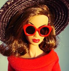 Red sunglasses (Deejay Bafaroy) Tags: fashion royalty fr integrity toys doll puppe kyori sato bueno sera portrait porträt closeup hat hut sunglasses sonnenbrille red rot brown braun
