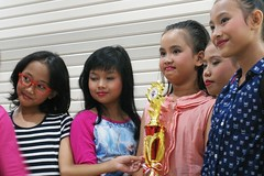 dancing contest champions (noor.hilmi) Tags: pentax k100d faizah menari kenari dance