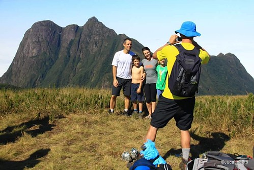 The FAMILY. This is what realy maters! !  #jucalodetti #picoparana #serradomar #montanha #trekking #climb #mountains #trilhas #vcnooff #discoversouth #summit #picoparana #ibitiraquire #canont1i #ig_parana #outdoor #natureza #nature #landscape #naturaleza