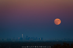 Super Moon Rising Over Manhattan (Mike Ver Sprill - Milky Way Mike) Tags: super moon rising manhattan new jersey nj washington rock greenville township york city nyc sunset rise telephoto lens tamron 150600 g2 beautiful amazing haze round earth flat landscape cityscape science milky way scientist mike ver sprill michael versprill evening sky clear large huge nikon d800 news