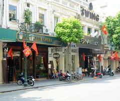 Swing at Club Opera (Neil Noland) Tags: vietnam hanoi oldquarter