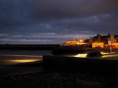 (turgidson) Tags: panasonic lumix dmc g7 panasoniclumixdmcg7 panasonicg7 micro four thirds microfourthirds m43 g lumixg mirrorless 20mm f17 asph panasonic20mmf17asph 20mmf17 20mmf17asph prime lens primelens pancake hh020 silkypix developer studio pro 7 silkypixdeveloperstudiopro7 raw p1080022 bray wicklow ireland harbour night car headlights coast coastal sea irish irishsea