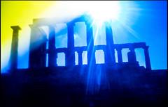 20161120-088 (sulamith.sallmann) Tags: antik antike attika blur building bunt colorful effect effekt filter folientechnik gebude gegenlicht greece griechenland kapsounio poseidontempel sonnenlicht sounio tempel temple unscharf grc sulamithsallmann