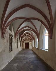 Neustift 12 (WR1965) Tags: italien sdtirol altoadige autonomeprovinzbozen neustift stiftneustift klosterneustift chorherren augustiner kreuzgang