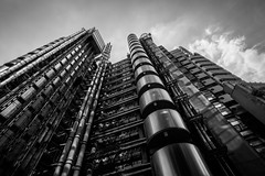 Lloyd's of London Building (Davoud D.) Tags: london lloyds listed lloydsbuilding richardrogers lloydsoflondon insideoutbuilding