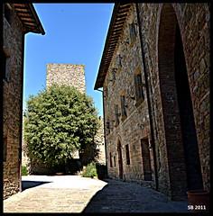 Castello di Petroia I (STEVE BEST ONE) Tags: italy castle nikon italia castello umbria gubbio 2011 federicodamontefeltro fortless petroia d3100