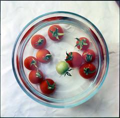R.RAP.201406.04 (zampras) Tags: 120 water fruit rolleiflex fuji sl66 rap f56 makro astia splanar splan