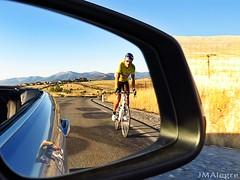 El ciclista patrio, superando cuestas y adversidades