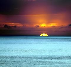 Oahu dreaming (N@ncyN@nce) Tags: vacation beach beautiful relax hawaii paradise pacific waikiki oahu exploring landmarks tourist resort pacificocean tropical honolulu sights makaha hawaiianprincess