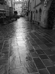 Innsbruck In The Rain (catz5555) Tags: street blackandwhite bw rain austria innsbruck austriantyrol tryol