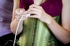 Knot-tying class at the Queen's College (Pahz) Tags: wisconsin renfaire costuming bristolrenaissancefaire renfest brf kenosha queenscollege garb monkeyfist kenoshawi pattysmithbrf