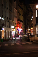 Paris by Night (Icy Sedgwick) Tags: street nightphotography paris france night 1855mm canon400d