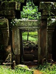MD154577-s (Nini Baseema) Tags: cambodia angkorwat siemreap bayon
