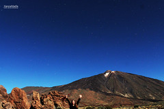 Me, Ukelele, Los Roques and El Teide lit by the supermoon under the stars (Hannahbella Nel) Tags: sky night way photography volcano islands los el crater astrophotography tenerife canary lit adventures teide milky roques supermmon tenerifeadventures