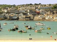 St Ives Cornwall (saxonfenken) Tags: boats town cornwall harbour jetty seawall stives 6932 june2009 yourockunanimous pregamewinner gamesweepwinner 6932boats