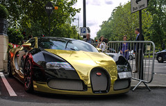 Bugatti Veyron 16.4 Grand Sport (MauriceVanGestel Photography) Tags: auto park uk greatbritain london cars car corner gold hotel amazing unitedkingdom britain united great machine kingdom hyde coche londres saudi arabia gb 164 hydepark autos bugatti mayfair gouden saudiarabia gs supercar dorchester coches supercars londen veyron hydeparkcorner twotone groot vk thedorchester bugattiveyron grandsport koninkrijk goldblack hypercar verenigd bugattiveyron164 grootbrittanni verenigdkoninkrijk mayfairlondon arabics arabi veyron164 brittanni arabieren veyrongs bugattiveyrongrandsport saudiarabi veyrongrandsport bugattiveyron164grandsport bugattigrandsport hoteldorchester veyron164grandsport bugattiveyrongs bugattiveyron164gs goudenbugatti arabierenlondon goudzwart arabicslondon veyron164gs thedorchesterlondon bugattigs goldbugatti