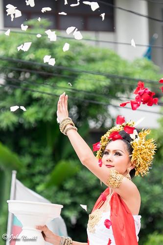 Thailand 2014 - Chiang Mai - Thai Flower Dancers2