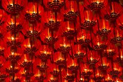 Chinese lanterns in Penang (Bertrand Linet) Tags: lighting light red asia malaysia lanterns lantern penang chinesetemple 燈籠 chineselanterns chineselantern chineseculture 灯笼 猜燈謎 tuapekkong 猜灯谜 bertrandlinet