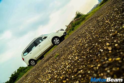 Renault-Lodgy-Long-Term-15