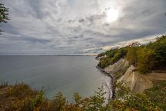 _MG_9856 (Bastian_89) Tags: kreidefelsen ostsee baltic sea sky wolken sonne herbst autumn beach coast natur blue orange green sun clouds trees germany