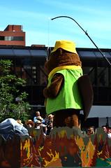 Mascot of Some Kind (pokoroto) Tags: mascot some kind parade calgarystampede calgary カルガリー アルバータ州 alberta canada カナダ 7月 七月 文月 shichigatsu fumizuki bookmonth 2016 平成28年 summer july