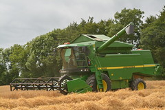 John Deere 2264 Combine Harvester cutting Winter Barley (Shane Casey CK25) Tags: john deere 2264 combine harvester cutting winter barley jd green wb kilmagner county cork grain harvest grain2016 grain16 harvest2016 harvest16 corn2016 corn crop tillage crops cereal cereals golden straw dust chaff ireland irish farm farmer farming agri agriculture contractor field ground soil earth work working horse power horsepower hp pull pulling cut knife blade blades machine machinery collect collecting mhdrescher cosechadora moissonneusebatteuse kombajny zboowe kombajn maaidorser mietitrebbia nikon d7100