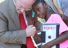 10-18-2016 Camden school receives $900,000 Apple grant