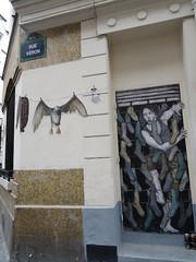 rue Vron, Paris, Montmartre (Jeanne Menj) Tags: levalet philippehrard streetart urbanart bird gull mouette