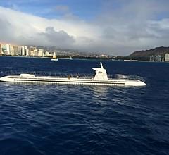 Atlantis XIV (tompa2) Tags: ubåt submarine vatten hav honolulu waikiki hawaii höghus