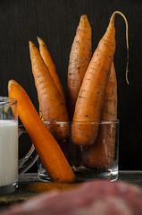 D3360-Zanahorias y leche (Eduardo Arias Rábanos) Tags: macrofotografía macrophotographie macro eduardoarias eduardoariasrábanosverduras vegetables zanahoria carrot leche milk nikon d300