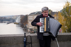 The Accordion Player (romanboed) Tags: street leica m 240 summilux 50 europe czech republic czechia bohemia prague cesko ceska republika praha hlavni mesto city cityscape travel tourism music musician accordion charles bridge karluv most praag prag praga calm autumn afternoon