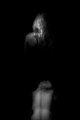 heavy darkness (www.davideserafin.com - AOPfotografia) Tags: bianconero black white back schiena shoulders peso monochrome portrait dark fuji xt1 heavy hair girl