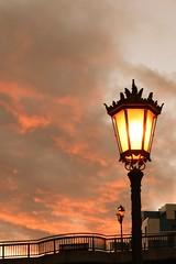 _CSC0114 (Nacho_71) Tags: anochecer farolas oviedo asturias puesta de sol urbano calido ciudad