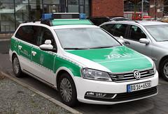 Customs vehicle (Schwanzus_Longus) Tags: bremen german germany new modern car vehicle station wagon estate break combi kombi customs duty zoll volkswagen vw passat variant