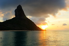 Solar (dotcomdotbr) Tags: fernando noronha sony a77 viagem sal1650 praia gua mar paisagem hdr por sol solar