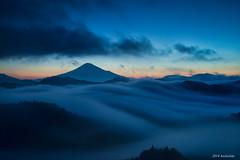Sea of clouds  Mt.fuji (koshichiba) Tags: yoshiwara fuji fujisan fog shizuoka fujiyama peak mountain summit exposure long lee filter nd stopper big dawn daybreak
