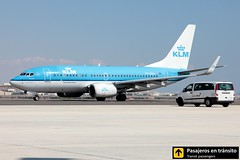Boeing B737 KLM (Ana & Juan) Tags: airplane airplanes aircraft airport aviation aviones aviación boeing 737 b737 klm taxiing alicante alc leal spotting spotters spotter planes canon closeup