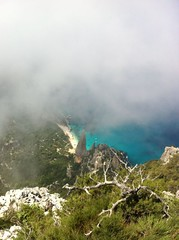 Goloritzé dall'alto di Punta Salinas - 2013 (Blue Sere) Tags: sardegna sea mountains fog trekking trek mare sardinia hiking nebbia montagna baunei escursionismo supramonte escursioni puntasalinas goloritzé