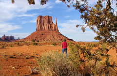 A Monumental Moment (Carl Neufelder) Tags: arizona usa us geology monumentvalley americansouthwest navajotriballand