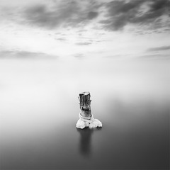 Clipped (DavidFrutos) Tags: longexposure sunset bw naturaleza seascape nature water monochrome clouds square landscape atardecer monocromo poste agua fineart salt paisaje bn minimal pole salinas alicante filter le lee nubes minimalism minimalismo canondslr saltmine sal 1x1 waterscape torrevieja filtro largaexposicin filtros naturalpark parquenatural neutraldensity canon1740mm gnd8 graduatedneutraldensity densidadneutra davidfrutos 5dmarkii niksilverefexpro bwnd8 singhraygnd09