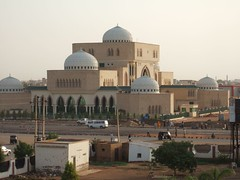 """khartoum mosque • <a style=""""font-size:0.8em;"""" href=""""http://www.flickr.com/photos/62781643@N08/14850144432/"""" target=""""_blank"""">View on Flickr</a>"""