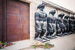 Monkeying around In Beijing (Demipoulpe) Tags: flower art statue monkey weird district beijing chine streetview chian peikin
