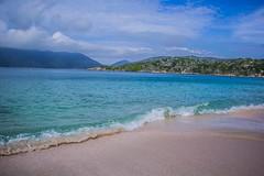 Praia do Forno (Mandycst) Tags: ocean people beach landscape pessoas rj paisagem arraialdocabo