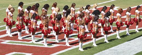 49ers-cheerleaders-performance